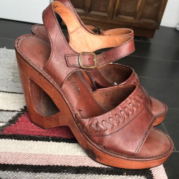 029ee2ebb1ded True vintage Woodworks wood leather heels 70's